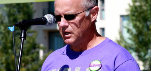 Mike Fisher, who is living with early stage, young onset Alzheimer's speaks at the San Franciso Memory Walk