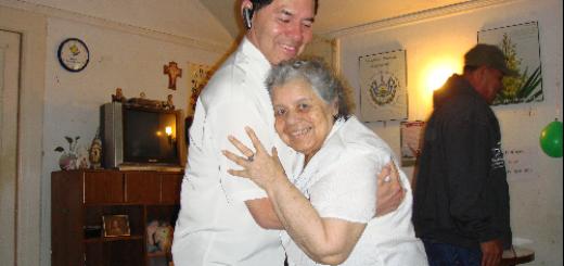Juan Antonio y su madre